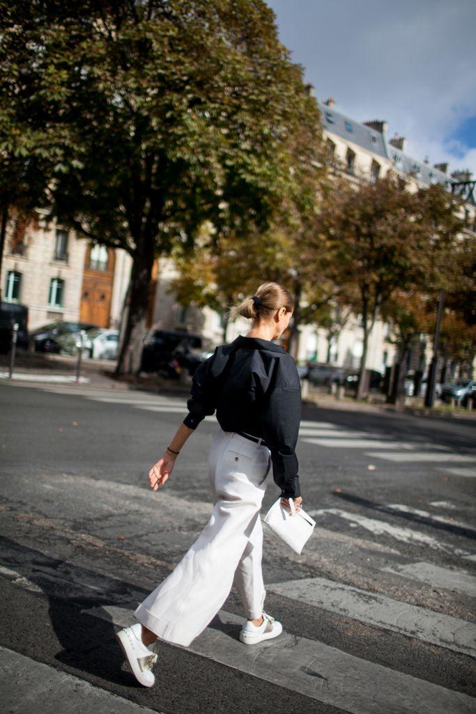 2017年春夏パリ・ファッション・ウィークから最新のストリート・スナップをお届け。