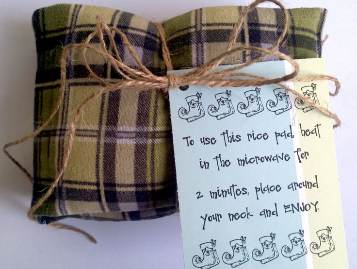 DIY Gift Idea: Neck Warming Rice Pads made from pillowcases... cheap and easy. Free gift tag printable.  armchairdecoratorblog.com