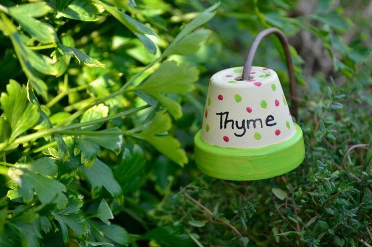 the green b hand painted pot garden plant marker