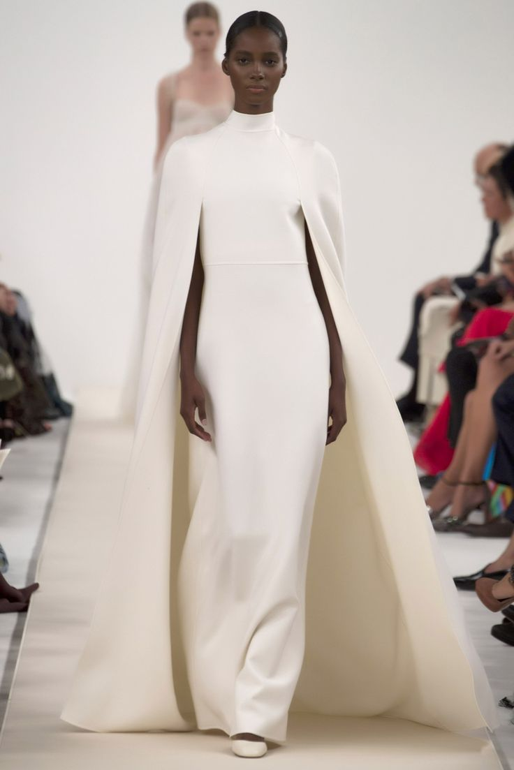 It's barely 2015 and Valentino, under the creative direction of Maria Grazia Chiuri and Pier Paolo Picciolo, presented their Spring 2015 Haute Couture collection in New York early this December. The garments were showered in a minimal color of white as an homage to the founder Valentino Garavani's all-white collection in 1968.