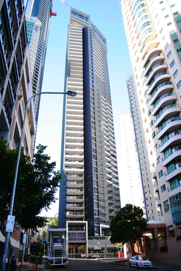 Skyline Apartments is a skyscraper in Brisbane, Queensland, Australia. Noted for its proximity to Soleil in Petrie's Bight.#skylinepartments #skyline #tower #residential #tallest #buildings #brisbane #australia