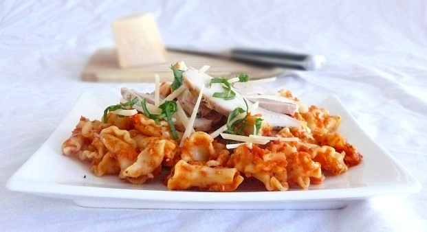 Campanelle all'Arrabbiata Rustica con Pollo all'Aglio......Chicken and Pasta with Spicy Arrabbiata Sauce