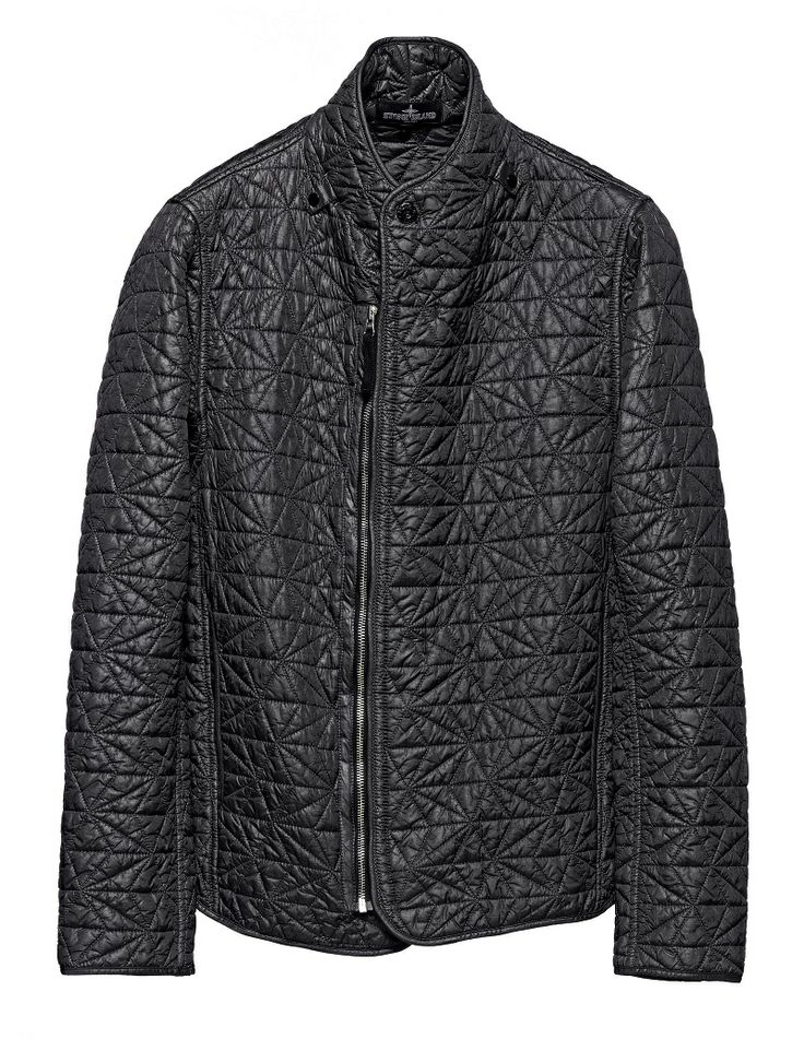 40708 MODULAR AUGMENT INSULATION JACKET_IRIDESCENT NYLON QUILTING Jacket in a lightweight iridescent nylon quilted with a star-pattern to a padding substrate. Garment dyed. Tapes and snap fasteners at the neck and buttons at the cuffs allow the garment to be integrated in Stone Island Shadow Project shoulder pieces, both from this season and past and future seasons. Shaped raised collar. Vertical side pockets. Rounded bottom hem. Metal zip fastening slightly off-centre.