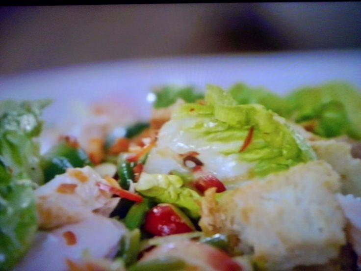 La+cucina+tradotta+di+Jamie:+Insalata+vietnamita+con+salmone+o+legumi
