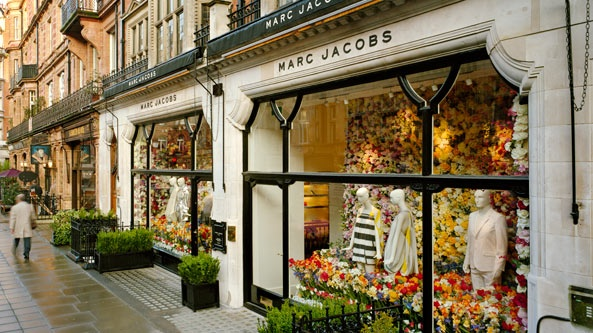 Marc Jacobs Collection Store in London. #shopfront #marcjacobs #visualmerchandising