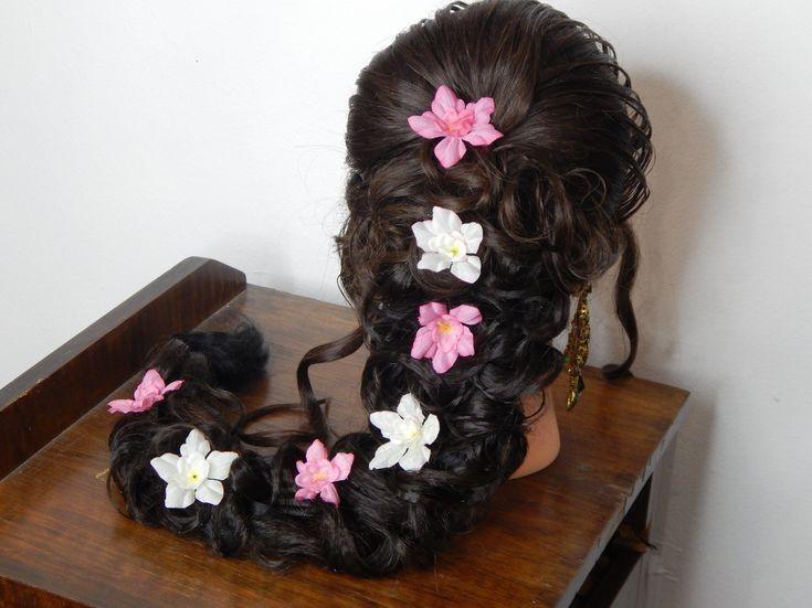 Best 25 Vintage Wedding Hairstyles Ideas On Pinterest: 17 Best Ideas About Mehndi Hairstyles On Pinterest