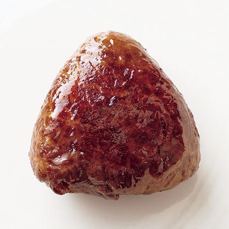 レタスクラブの簡単料理レシピ シンプルなおいしさが◎!「肉巻きおにぎり」のレシピです。
