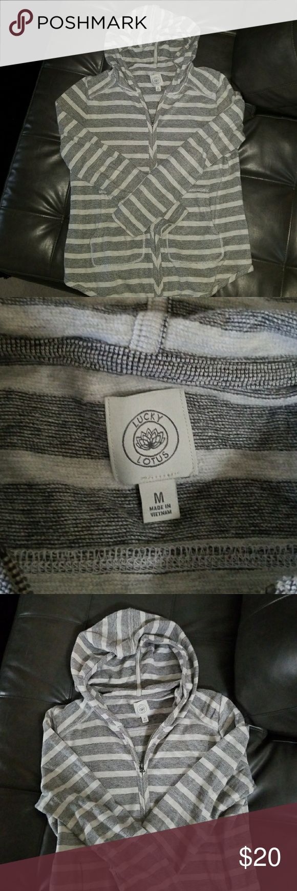 Women's Lucky Brand zip up hoodie Gray and cream Terry hoodie with kangaroo pockets. Great for spring. Lucky Brand Sweaters Cardigans