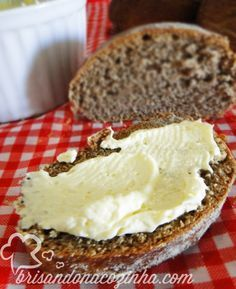 Brisando na Cozinha: Pão australiano e Manteiga aerada do Outback