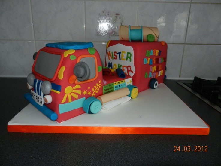 Mr Maker Mobile Cake - wow! This is awesome.
