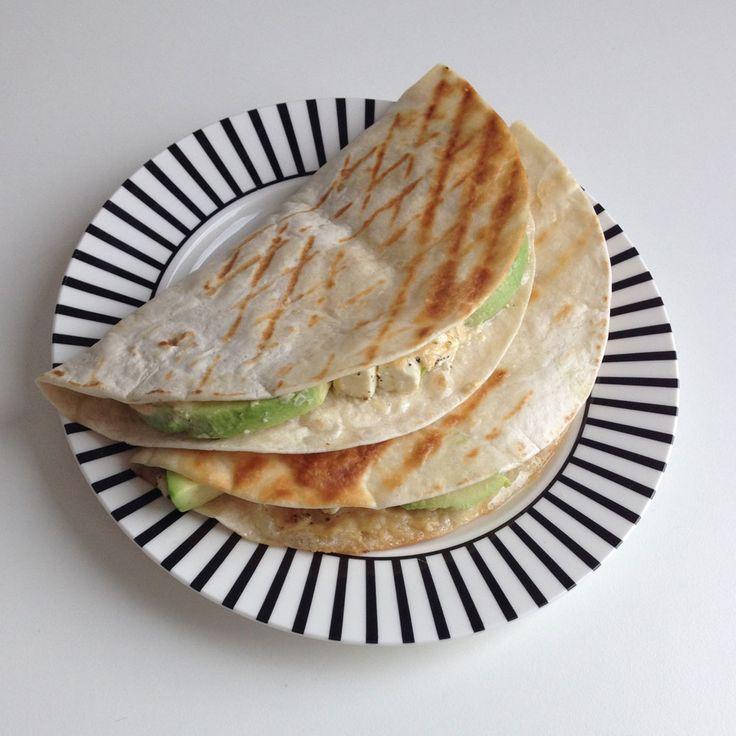Wraps met hummus en avocado http://wateetjedanwel.nl/wraps-met-hummus-en-avocado/