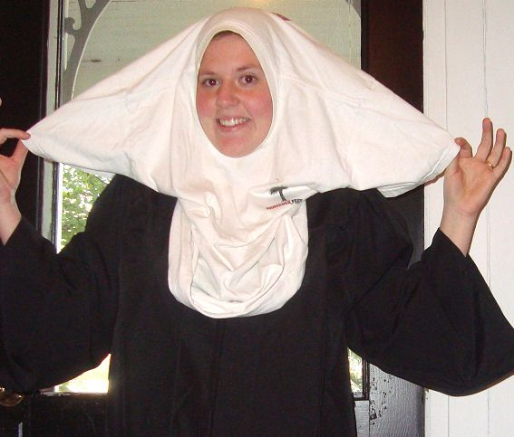 That's right- a no sew, no fuss, super easy nun costume. Most of you can probably put this together with stuff you already have at home. What you need to make an easy nun costume: Graduation …