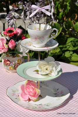 cake stand heaven: English Afternoon Tea Vintage Tea Sets and Cake Stands