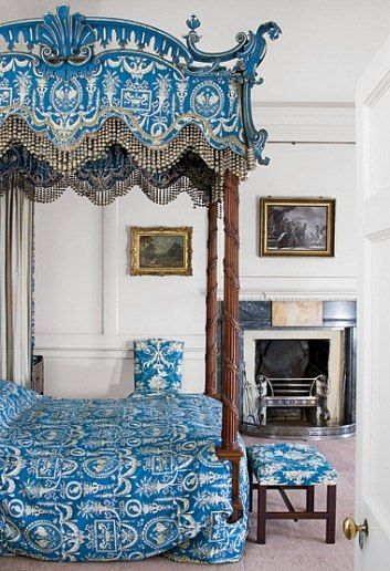 Dumfries House in Scotland - The State Bed. Chippendale added its design to the 1762 edition of his book The Gentleman and Cabinet-Maker's Director.