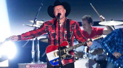 Garth Brooks Gives Heartbreaking Veterans Day Tribute Of Battle Song 'Belleau Wood'