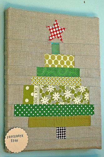 patterned-christmas-tree-door-decoration
