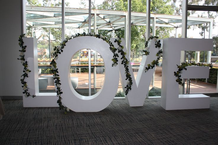 #wedding #weddingdecorations #melbourneevents #melbourneevents #decor #love #accessories #romantic #decorations #linenhire #eventdecorations #centerpieces www.decorit.com.au (7)