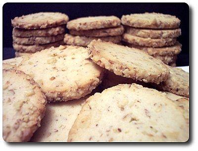 Cream Cheese-Walnut CookiesDesserts Recipe, Cream Cookies, Chees Walnut, Chocolates Sweets, Cream Cheese Walnut, Cheesewalnut Cookies, Cheese Walnut Cookies, Cream Cheesewalnut, Cream Cheeses
