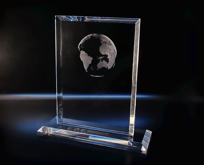 Trophée vertical biseauté - La gravure laser 3D : Trophées en verre Trophées standards