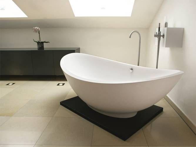 die besten 25 freistehende wanne ideen auf pinterest luxus badewanne badezimmer dachgeschoss. Black Bedroom Furniture Sets. Home Design Ideas