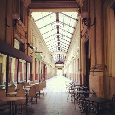 invaGalleria Umberto I, il primo ospedale di Torino, oggi galleria commerciale e porta di accesso a Porta Palazzo #torinocentro #InvasioniDigitali