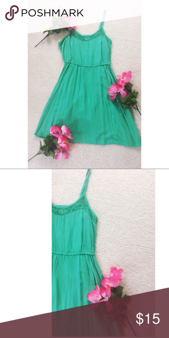 Beautiful Lime Green Dress 😘😘SUPER cute lime green sun dress! Super airy and light, perfect for the hot summer weather!! H&M Dresses