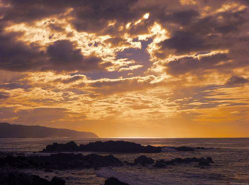 blog.RichHall.com: Sun setting over Oahu, October 2013