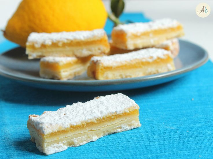 Lemon Bars - Perfetti per accompagnare il tè del pomeriggio, ma direi ideali come fine pasto insieme ad un bicchierino di limoncello!