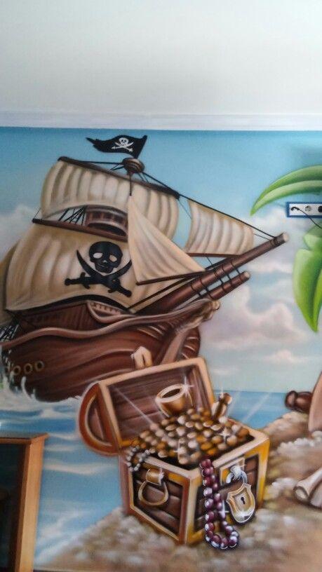 Alojamiento tematico,a 5 min del parque Warner,habitacion tematica pirata, mas info en : volantehostal@gmail.com