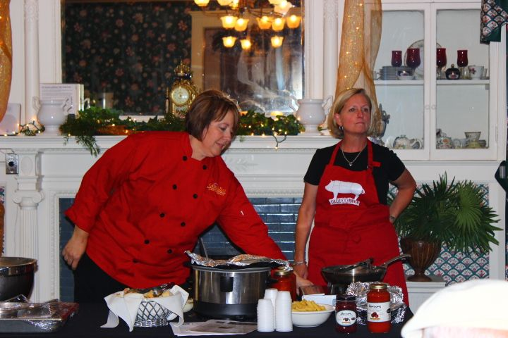 What's Cookin' Local at The Mansion at Elfindale. With Marina John Backes & Lori Saviello,