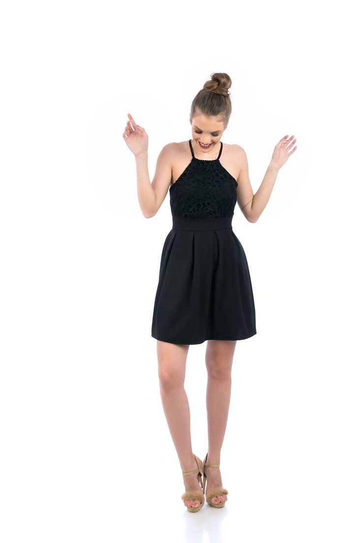 A-line dress with wide lapel. Invisible back zip closure. Sleeveless. Round neck. Crossover straps on the back side. 95% Polyester. 5% Elastane. https://www.modaboom.com/mauro-mini-stauroto-forema-el-en.html
