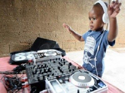 Oratilwe Hlongwane is just 3 year-old and popularly known as DJ Arch Junior On November 8 2015, DJ Arch Junior from Alexandra township rocked the stage and was crowned as the winner of the SA Got T…
