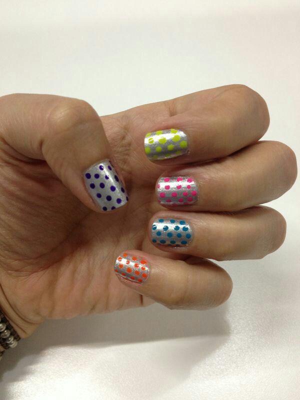 Neon dots @Melissa Grisales Henao