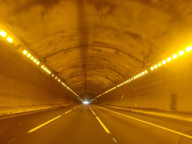 """Usuario: yesica (Portugal) - """"El túnel"""" - Tomada en Lisboa el 07/08/2015"""