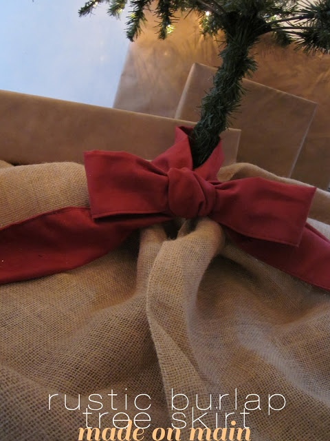 Rustic Burlap Tree Skirt DIY