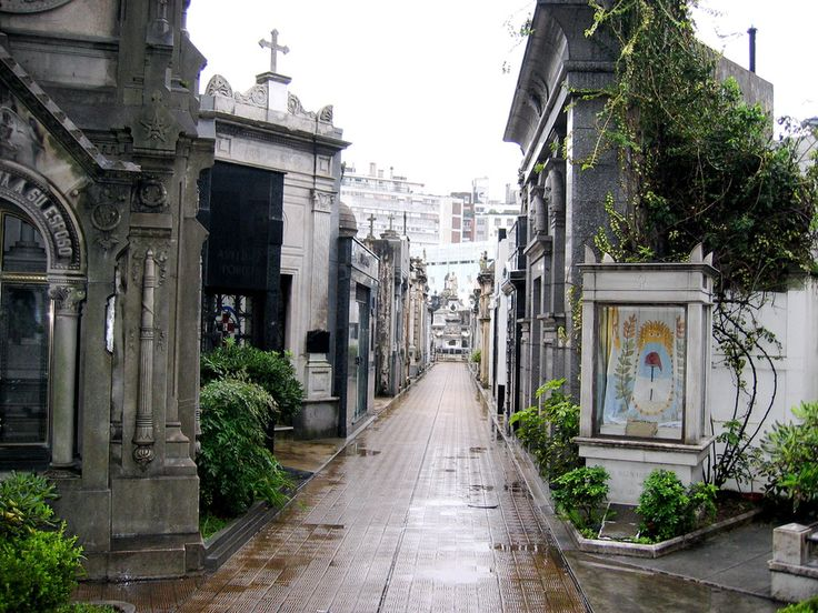 La Recoleta Cemetery — Buenos Aires, Argentina | 15 Drop-Dead Gorgeous Cemeteries From Around The World