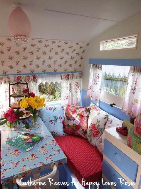 Catherine Reeves for HAPPY LOVES ROSIE - Vintage Caravan