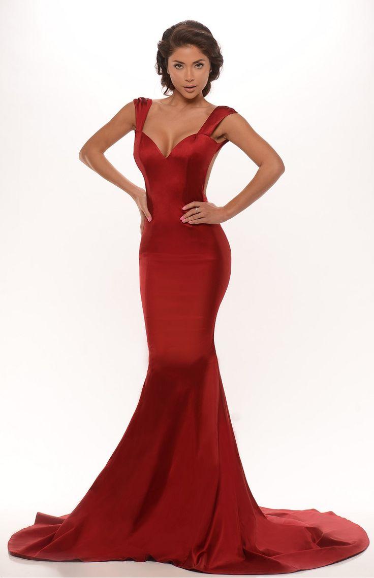 Red long dress diva