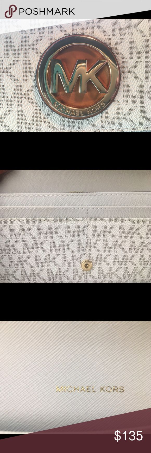 💎MK💎 WHITE/GOLD MICHAEL KORS wallet 👑💎🙌🏻💕 Gorgeous MICHAEL KORS wallet. This wallet has many pockets! Fits well in the hand. Dimensions of the wallet are: 8 inches wide, 4.5 inches high (closed); 8 inches wide, 8 inches high (open). >>open to reasonable offers << Michael Kors Bags Wallets