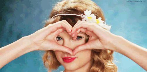 20 fatos que comprovam: Taylor Swift é a amiga que todo mundo sonha em ter  14. Taylor te ajudaria a superar os términos de namoro e a lidar com o seu dedo podre Porque ela tem muitas experiências de vida para dividir com você.