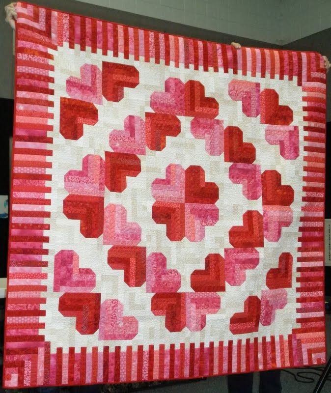 Cheryl's Teapots2Quilting: Quilt Guild meeting with Judy Martin. Honey Moon Log Cabin from Judy's book 'Extrordinary Log Cabin Quilts'