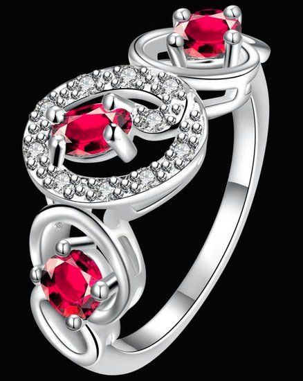 https://www.goedkopesieraden.net/925-Sterling-zilveren-ring-met-3-roze-zirkonia-steentjes