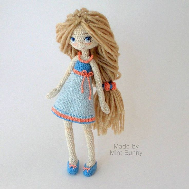 It seems someone has exceeded the concentration of ribbons on the doll But it really goes, does not it? 17.5 cm, cotton, hair - 100% wool, wire frame, stands on its own! ✔ (with shoes, of course, and shoes a removable, as you saw earlier)