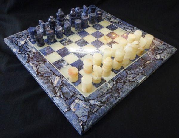 Jogo de xadrez em marmore com pedras turquesa e brancas, tabuleiro e 16 pedras de cada jogo.   #Oportunidade!!  Online agora, 25/04/15.   #Leilão ao Vivo em andamento.  Participe e Repasse aos amigos!