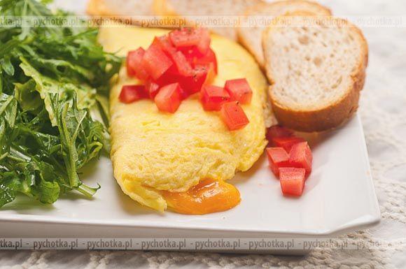 Omlet z tuńczykiem konserwowanym, pomidorem i papryką