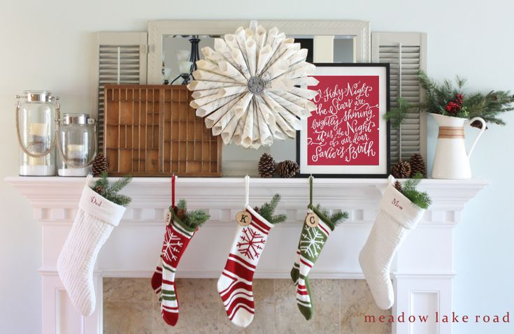 Christmas Home Tour - Part One - Meadow Lake Road - This home is so tastefully decorated!