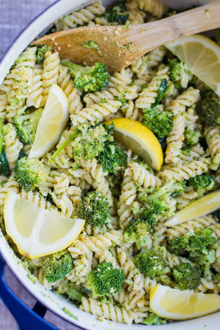 Vegan Lemon Broccoli Pasta Salad- this recipe is VERY quick and easy to make as well as a dairy-free and healthy alternative!!