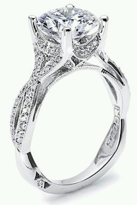 pretty wedding ring but gold would be better - Pretty Wedding Rings