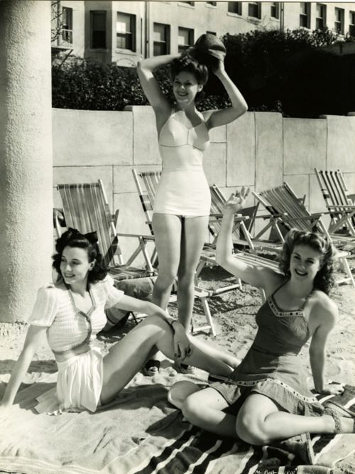 1940's Swimwear - I wish people still 'tried' before they left the house