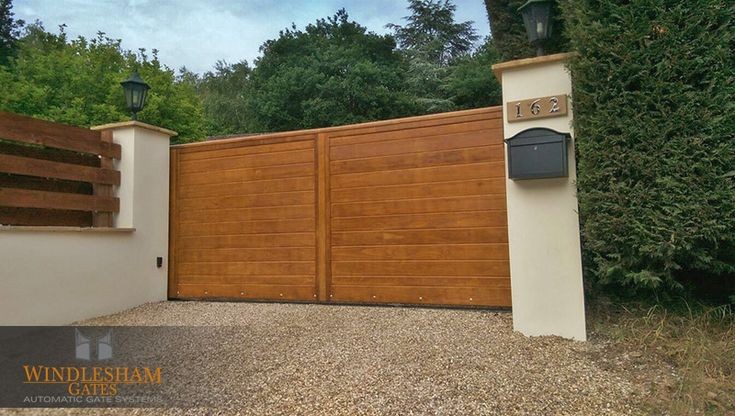 Accoya electric sliding gate with AES wireless intercom and BFT Ares Ultra Sliding Gate System.